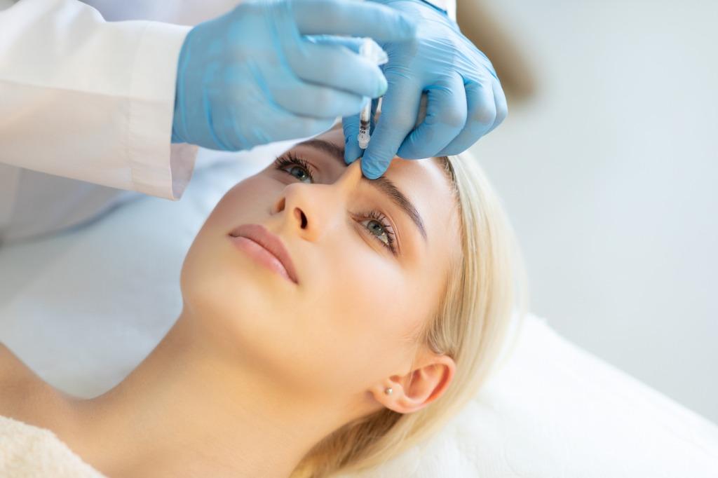Eyebrow-injection